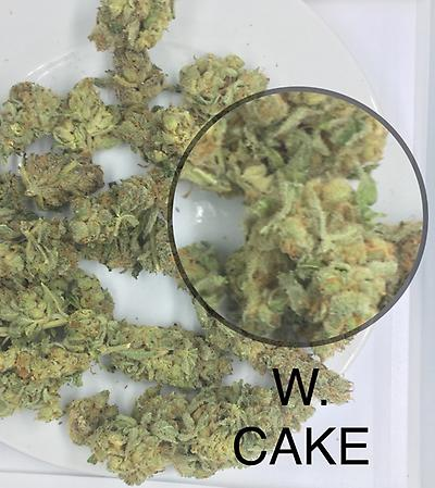 WEDDING CAKE. A GRADE UK